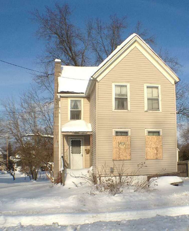 Dispatch Staff Photo by JOHN HAEGER (Twitter: @OneidaPhoto) Property at 311 Bennett St. the city sold to Blake Lamb.