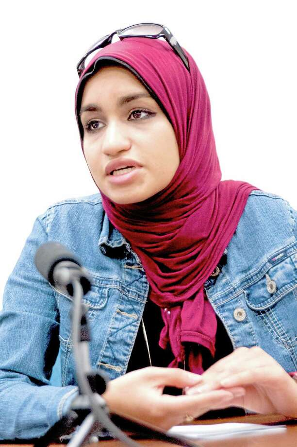 vm Williams — Register Reem Elazazy, an Egyptian-American, speaks about the violence and bloodshed occurring in Egypt Photo: Journal Register Co.