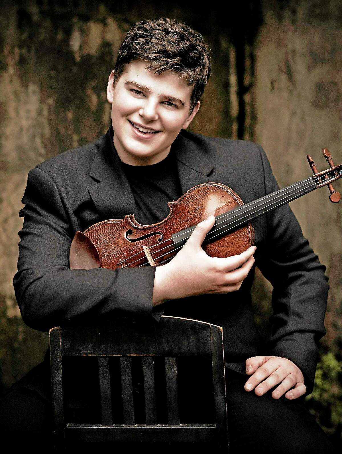 Before he plays with the NHSO Thursday, violinist Chad Hoopes will talk to students about classical music Tuesday at Music Haven.