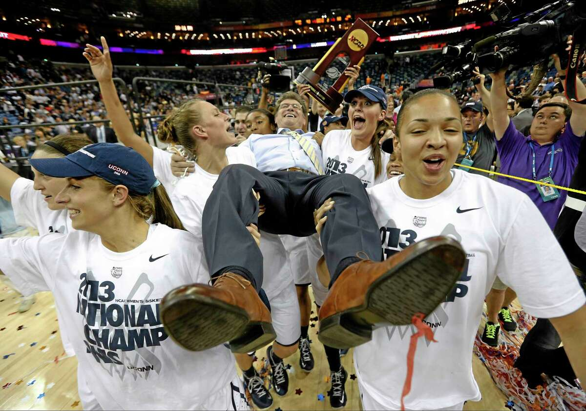 UConn's chances of winning another national title should improve with the impending return of Kaleena Mosqueda-Lewis and Morgan Tuck.