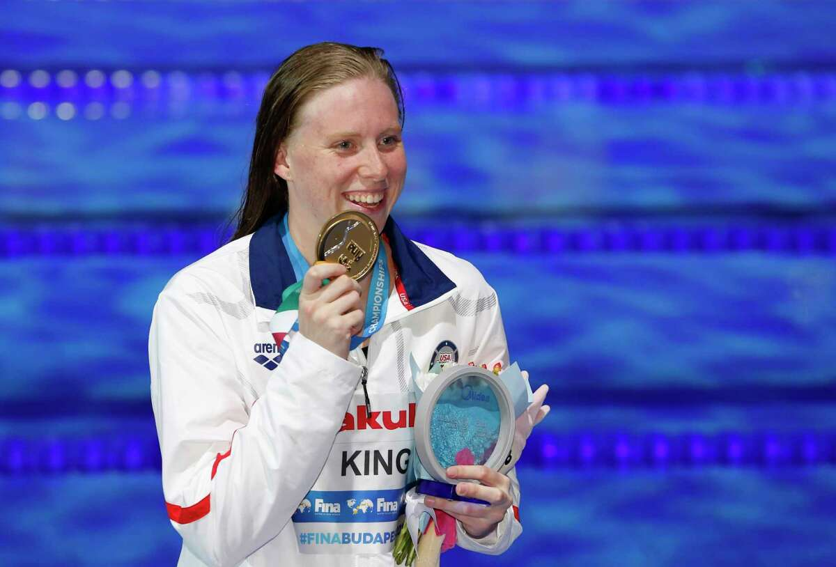 United States' gold medal winner Lilly King poses for photographers after the women's 100-meter breaststroke final during the swimming competitions of the World Aquatics Championships in Budapest, Hungary, Tuesday, July 25, 2017. (AP Photo/Darko Bandic) ORG XMIT: FOS228