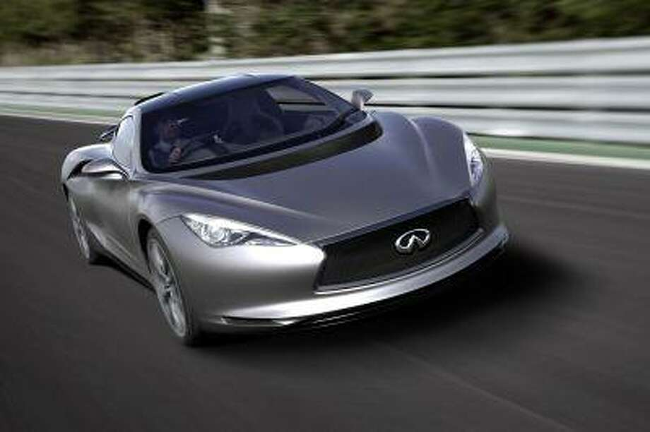 The Infiniti Emerg-E concept car could serve as the basis for the production of a new supercar.