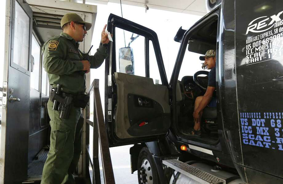 FILE - Border Patrol agents seized more than $10 million worth of narcotics at the Sarita checkpoint on Monday. (Kin Man Hui/San Antonio Express-News) Photo: Kin Man Hui, Staff / San Antonio Express-News / ©2017 San Antonio Express-News