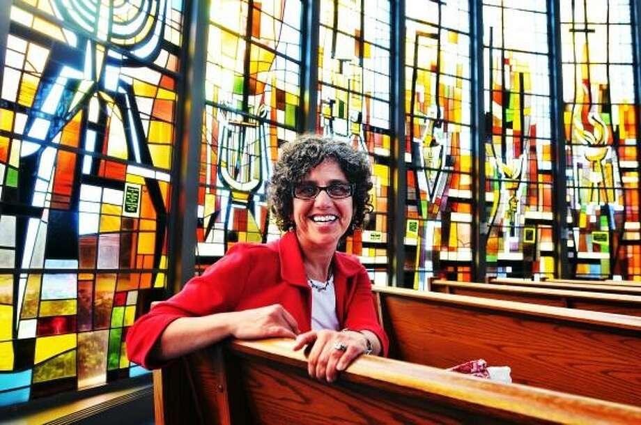 "Congregation B'Nai Jacob in Woodbridge has their first female Rabbi, Rabbi Rona Shapiro. Peter Casolino - Register  <a href=""mailto:pcasolino@newhavenregister.com"">pcasolino@newhavenregister.com</a>"