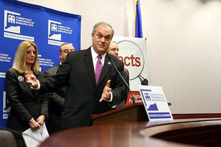 New Haven Mayor John DeStefano denounces Malloy budget. Courtesy CTNEWSJUNKIE