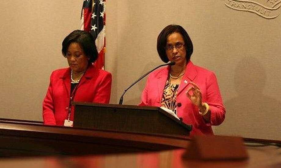 State Sen. Toni Harp and state Rep. Toni Walker. Courtesy CTNEWSJUNKIE
