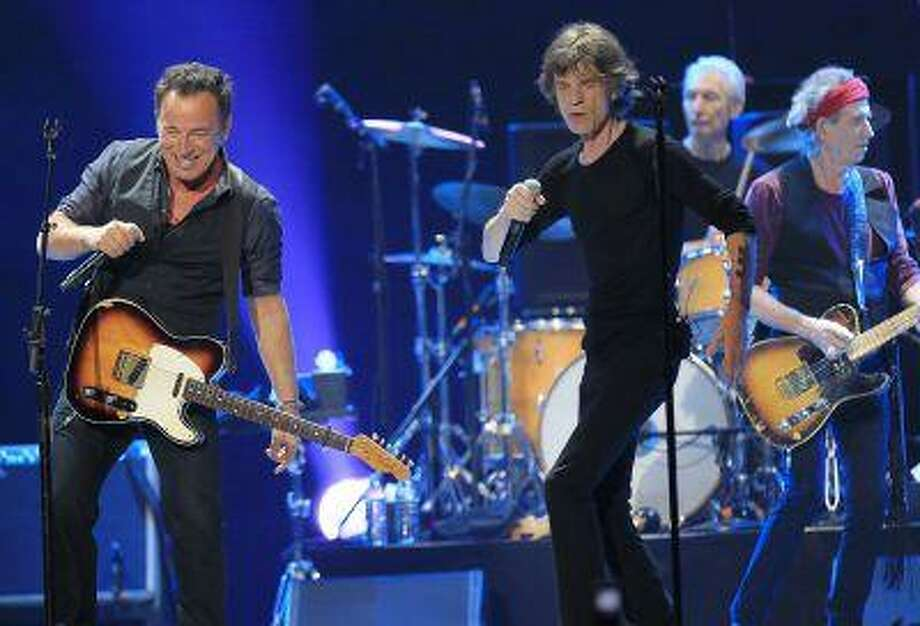 "Mick Jagger (R) and Bruce Springsteen perform onstage during the Rolling Stones final concert of their ""50 and Counting Tour"" in Newark, N.J., December 15, 2012. Photo: REUTERS / X02452"