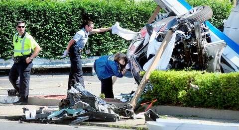 2 dead, 1 injured in New Haven crash near Woodbridge line
