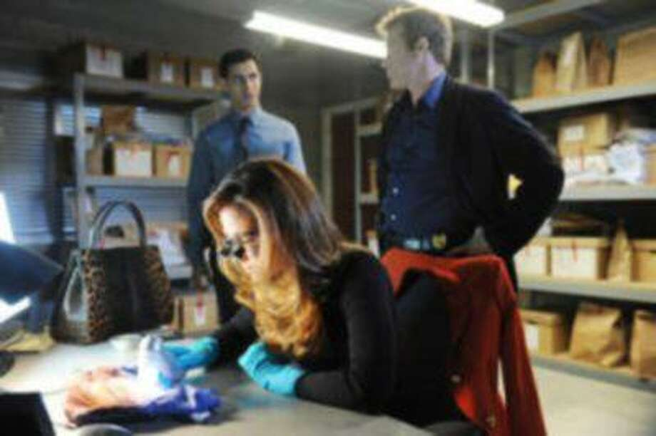 """BODY OF PROOF -- """"Abducted - Part 2"""" -- In conclusion of the thrilling Season 3 premiere of """"Body of Proof,"""" Megan learns why a serial killer targeted war veterans and just how one of their prime suspects figures in the case. But the killer has kidnapped Megan's daughter and is making sure that, now that Megan has cracked the case, she cannot reveal the answers to her team or the police while Lacey's life hangs in the balance. Meanwhile, Kate comes under fire with District Attorney Dan Russell (Richard Burgi), on """"Body of Proof"""" airing TUESDAY, FEBRUARY 26 (10:00-11:00 p.m., ET) on the ABC Television Network. Photo: ABC / © 2013 American Broadcasting Companies, Inc. All rights reserved."""