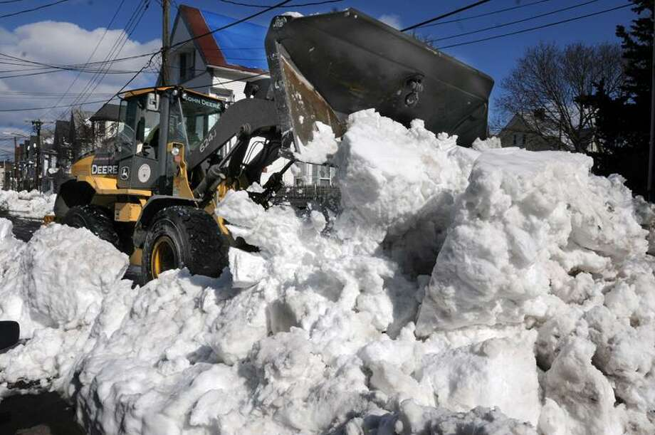 The Blizzard of 2013, Nemo, New Haven. Clearing snow on Shelter St. in New Haven. Mara Lavitt/New Haven Register2/12/13