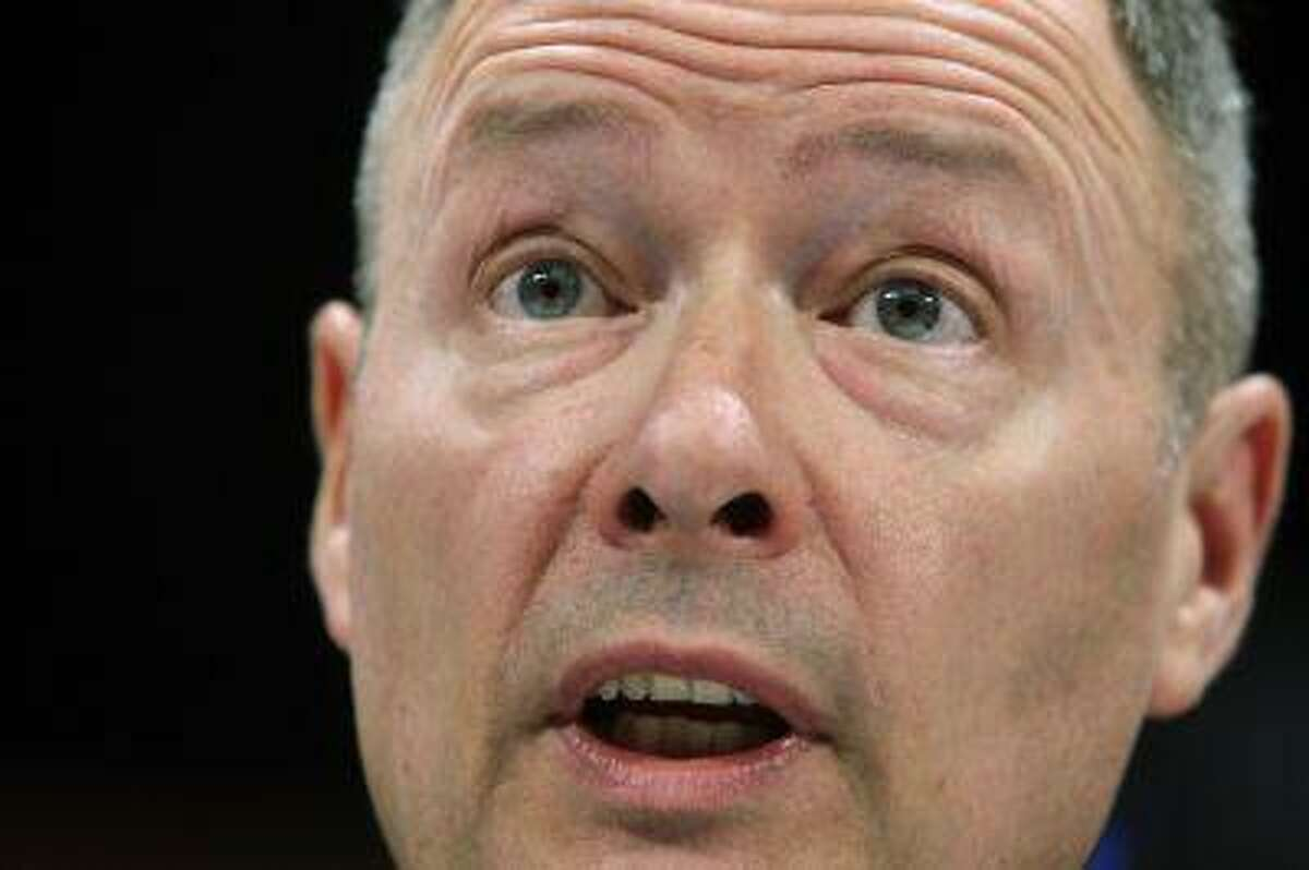 Director of the National Security Agency U.S. Army General Keith Alexander testifies before a U.S. House Permanent Select Committee on Intelligence hearing on recently disclosed NSA surveillance programs, at the U.S. Capitol in Washington June 18, 2013. (Jonathan Ernst/Reuters)