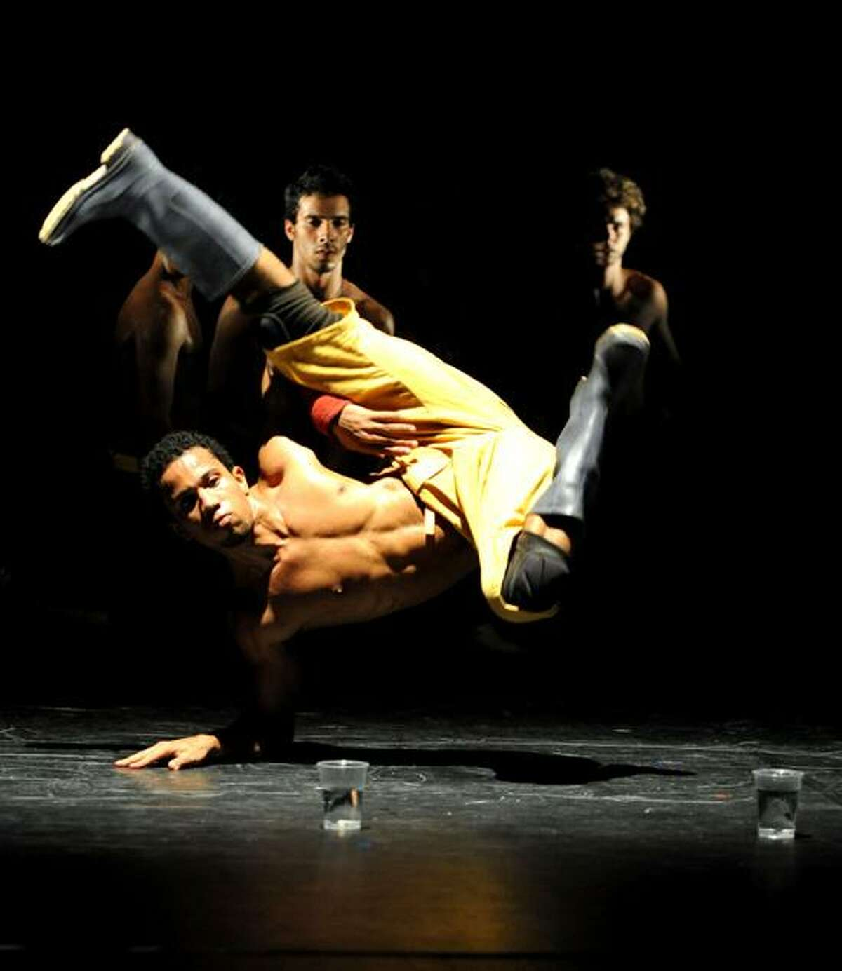 Daniela Cardon/Factory 18: The Brazilian dancers of Compagnie Kafig will perform two works.
