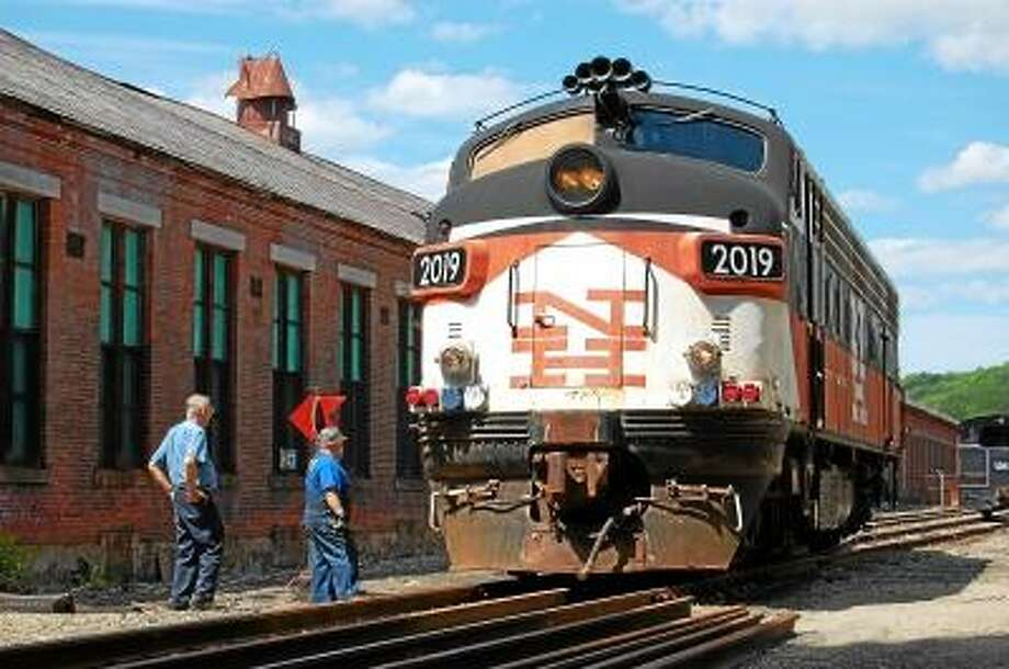 A locomotive pulls into the Railroad Museum of New England on June 5, 2013 in Thomaston, where improvements have been planned for the Naugatuck Railroad lines. (Tom Caprood/Register Citizen)