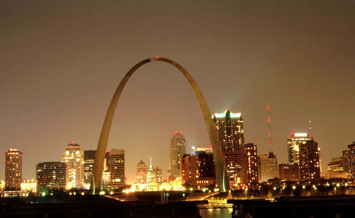 14. St. Louis Total Score: 62.06 Travel Costs & Hassles Rank: 21 Local Costs Rank: 50 Attractions Rank: 25 Weather Rank: 12 Activities Rank: 24 Safety Rank: 57