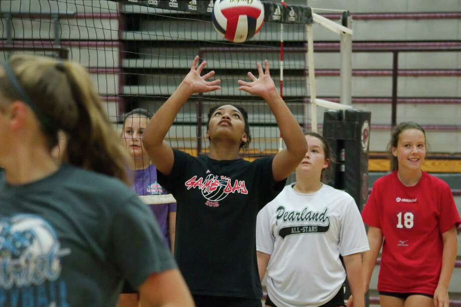 Seleste Harris participates in a hitting drill during Pearland summer volleyball camp Tuesday, Jul. 25. Photo: Kirk Sides / © 2017 Kirk Sides / Houston Chronicle