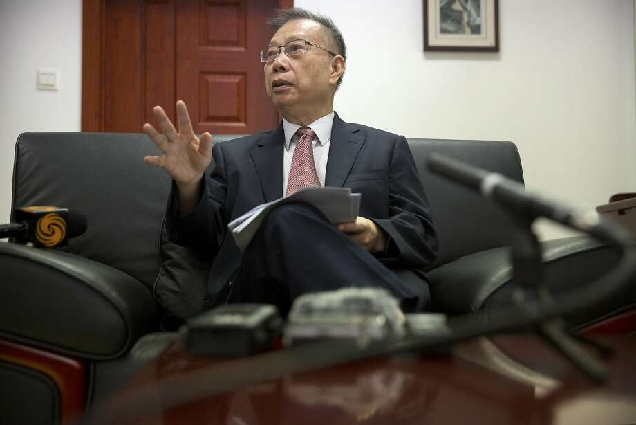 Huang Jiefu, chairman of the China Organ Donation and Transplantation Committee, said China no longer uses organs from executed prisoners. Photo: Mark Schiefelbein, Associated Press