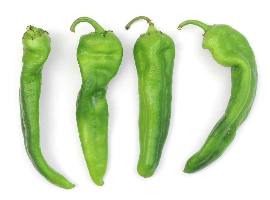 At least two area grocers are celebrating Hatch chile season this month. Photo: Paul Stephen /San Antonio Express-News