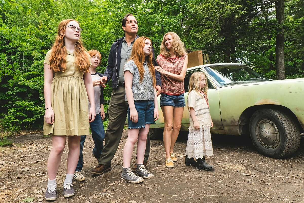 """From L to R: Sadie Sink as """"Young Lori,"""" Charlie Shotwell as """"Young Brian,"""" Woody Harrelson as """"Rex Walls,"""" Ella Anderson as """"Young Jeannette,"""" Naomi Watts as """"Rose Mary Walls"""" and Eden Grace Redfield as """"Youngest Maureen"""" in THE GLASS CASTLE. Photo by Jake Giles Netter."""