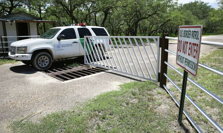 A Border Patrol unit from U.S. Customs and Border Protection leaves a private ranch south of Falfurrias earlier this summer. A Border Patrol agent was killed on Sunday and another injured. Photo: Bob Owen /San Antonio Express-News / ©2017 San Antonio Express-News