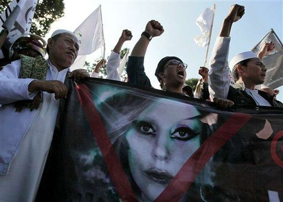 Lady Gaga cancels Indonesia concert after threats - New
