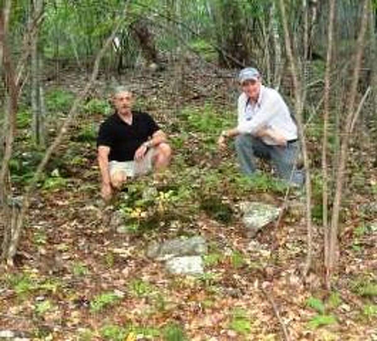 Frank and Charlie at gravesite.