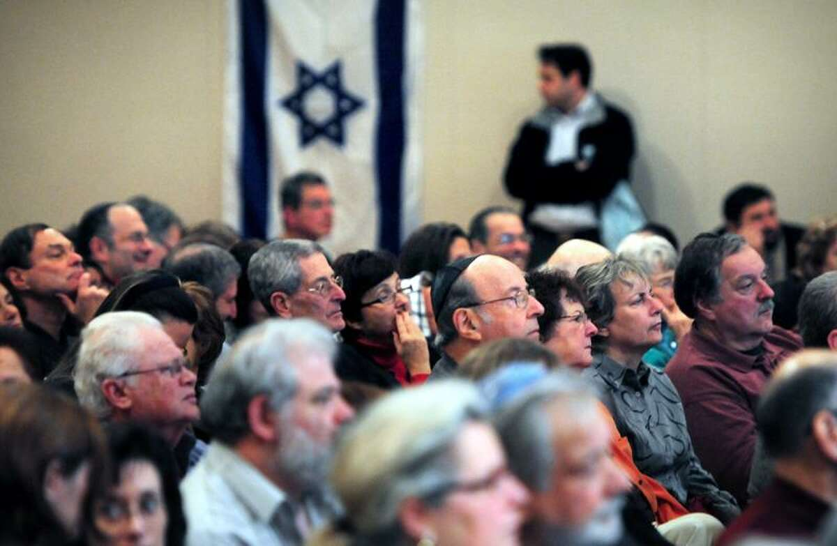 Members of the Jewish community fill the auditorium at the rally, We Stand With Israel: Freedom From Fear, at the Jewish Community Center of Greater New Haven in Woodbridge on 11/20/2012.Photo by Arnold Gold/New Haven Register AG0472F
