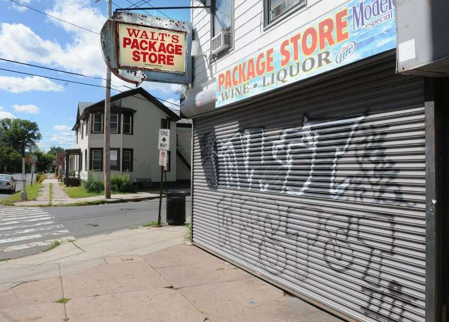 Walt's Package Store in New Haven where the store clerk was shot in a robbery.  Mara Lavitt/New Haven Register