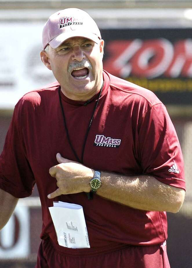 Associated Press file photo Former UMass coach and current UConn coordinator Don Brown is expected to be named the next head coach at Yale. Photo: ASSOCIATED PRESS / AP2007
