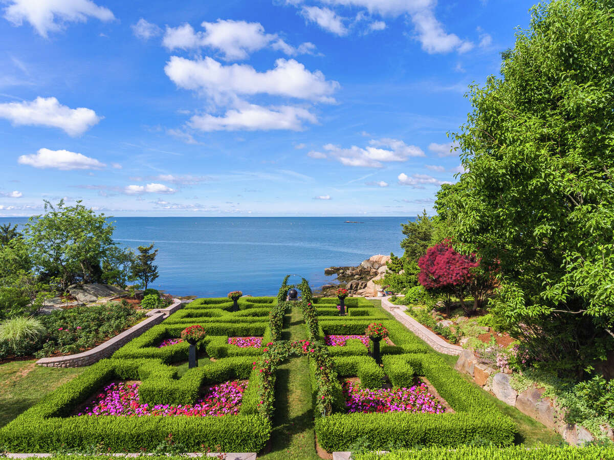 Roger Island, Branford Roger Island is the largest island for sale in the Thimble Island archipelago and can be bought for $35 million.Find out more.