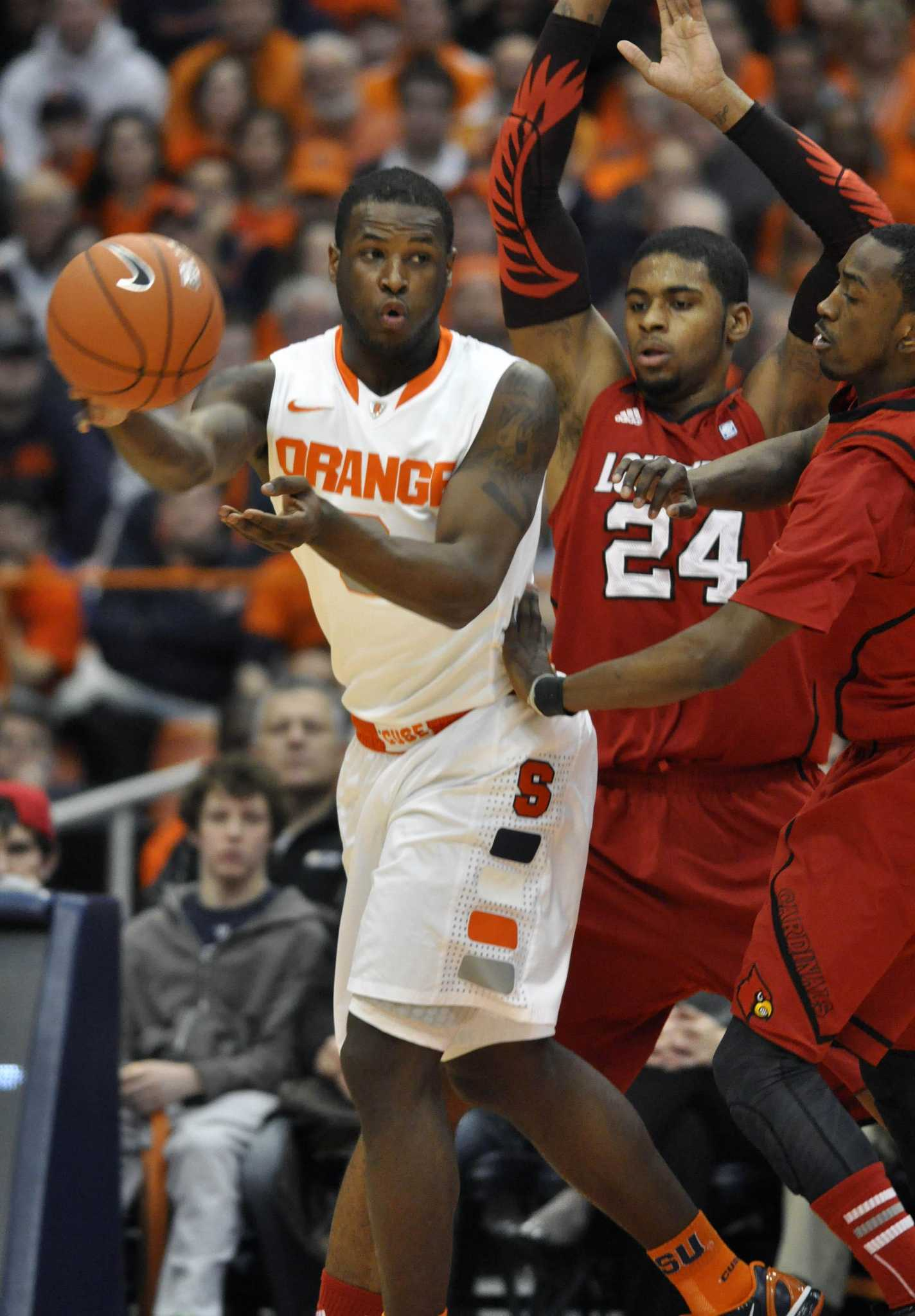 Syracuse Men S Basketball Heads To Nyc Amid Inquiry New