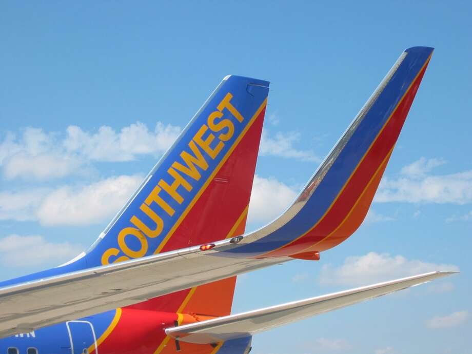 Southwest Airlines Company (NASDAQ:LUV) To Report Earnings