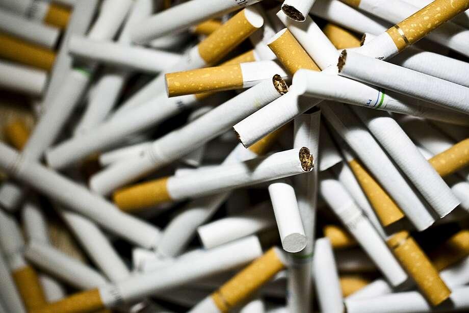 Bond cigarette in Canada