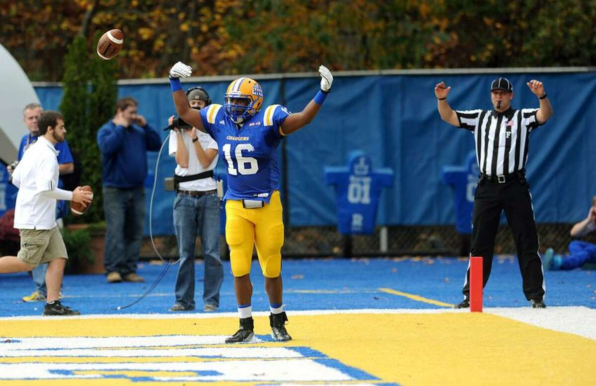 New Haven's Kameel Lashley celebrates a first-quarter touchdown. (Photo by Peter Casolino/New Haven Register 10/28/12)