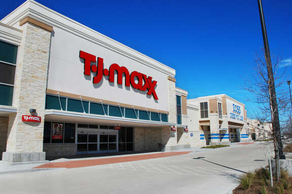 Dunhill Partners has purchased the Center at Pearland Parkway I, whose tenants include T.J. Maxx.
