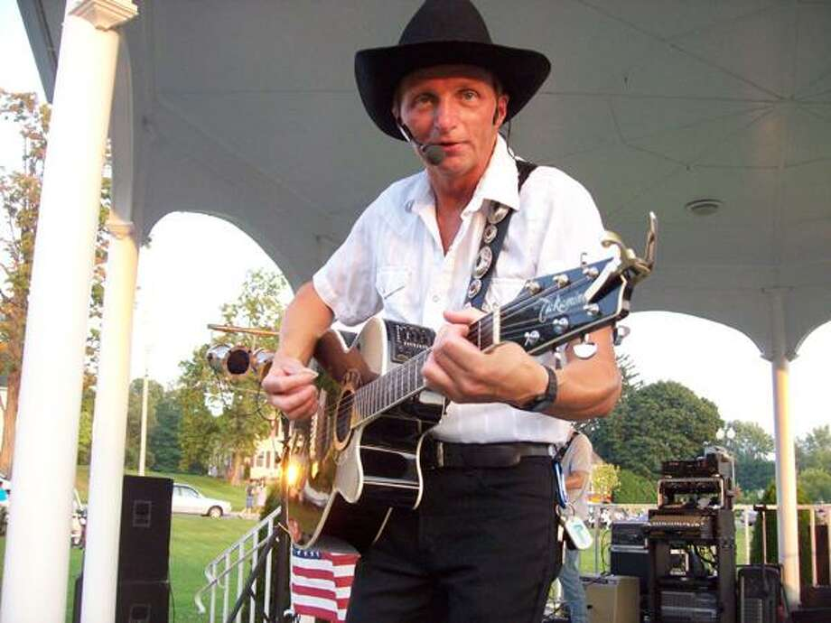 Photo Special to the Dispatch by MIKE JAQUAYS Matt Chase and the Thunder Canyon Band will make an encore appearance at the Sherrill Summer Concert Series this Tuesday at 6:30 p.m. at the Reilly-Mumford Memorial Park.