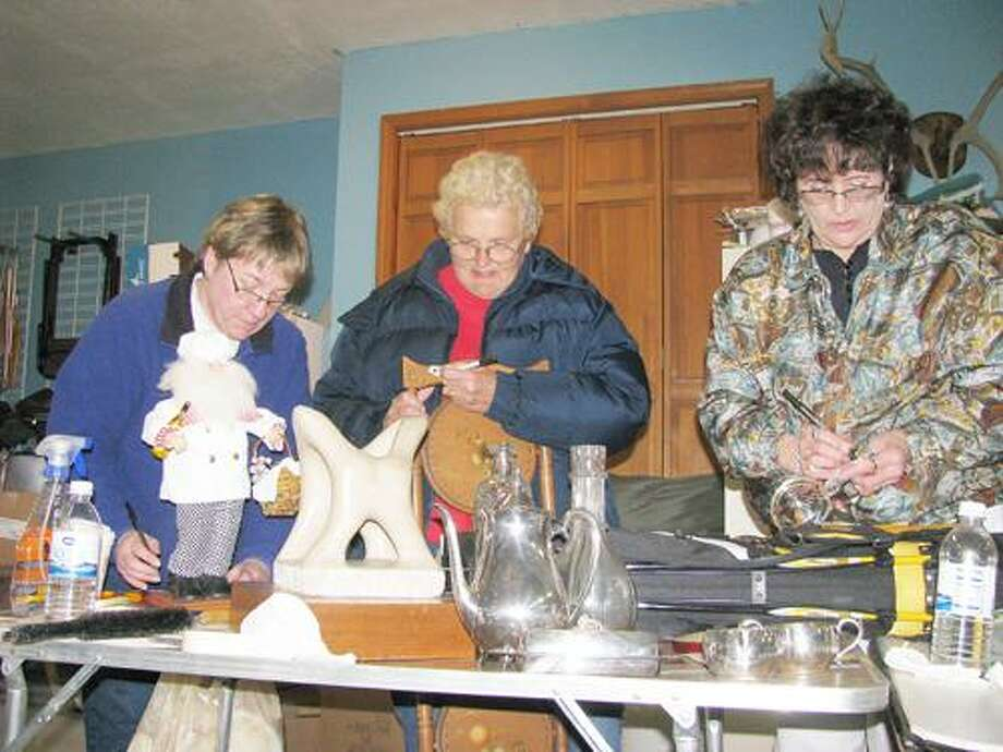 Photo Courtesy VVS DOLLARS FOR SCHOLARS From left are Barb Myers, Anne Wright and Polly Elgie.