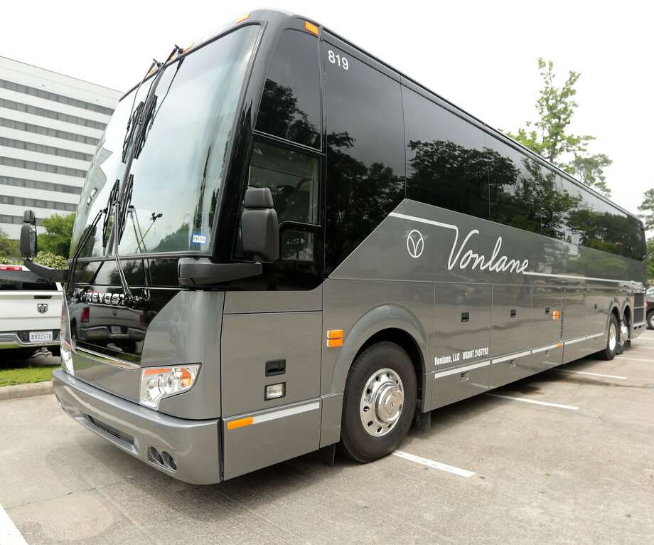 Texas-based luxury coach service Vonlane recently announced it will resume services to select routes in Texas. Photo: Billy Smith II, Chronicle