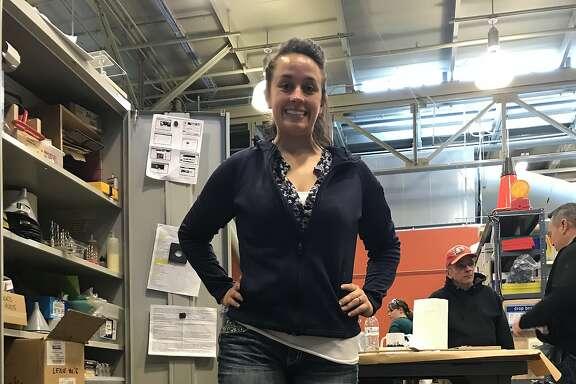 Alexandra Graham shows off prosethetic leg she built