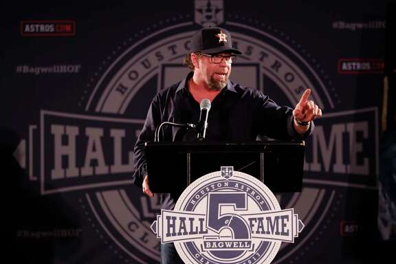Jeff Bagwell, who'll make a speech on Sunday, got some practice behind a podium during a January rally at Minute Maid Park celebrating his Hall of Fame election.
