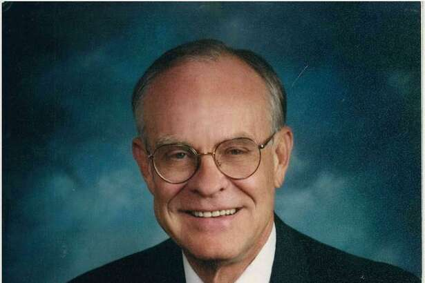 Warren Nelson Weir, a prominent San Antonio lawyer, died on July 25 at 77.