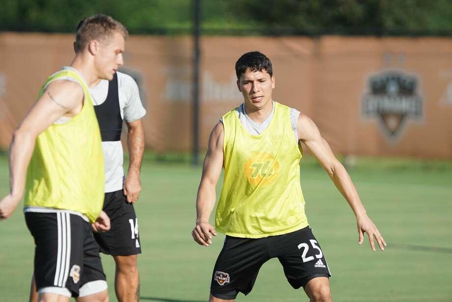 Tomas Martinez works out with the Houston Dynamo. Photo: Barbara Maningat