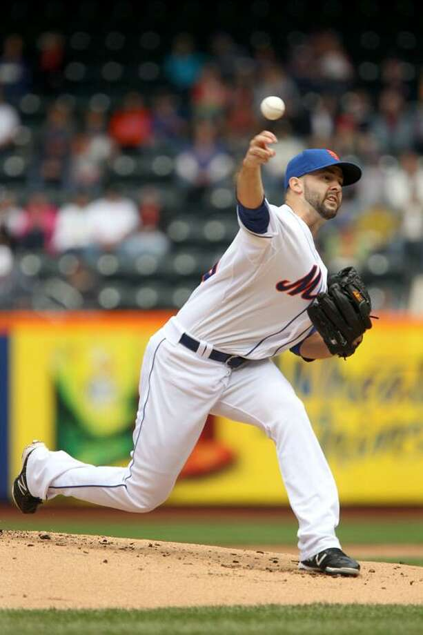 New York Mets starting pitcher Dillon Gee pitches during the second inning of a baseball game against the St. Louis Cardinals Monday, June 4, 2012, at Citi Field in New York.  (AP Photo/Seth Wenig). Photo: AP / AP2012