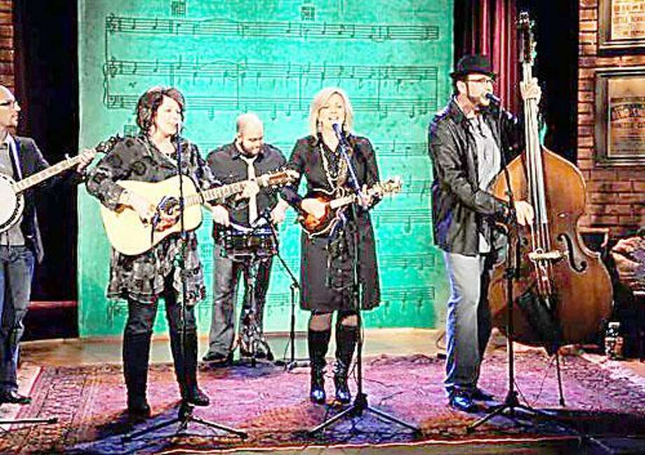 """Photo from <a href=""""http://www.theisaacs.musiccitynetworks.com"""">www.theisaacs.musiccitynetworks.com</a> The Isaacs will perform at Oneida High School on Saturday, April 21 at 7:30 p.m."""