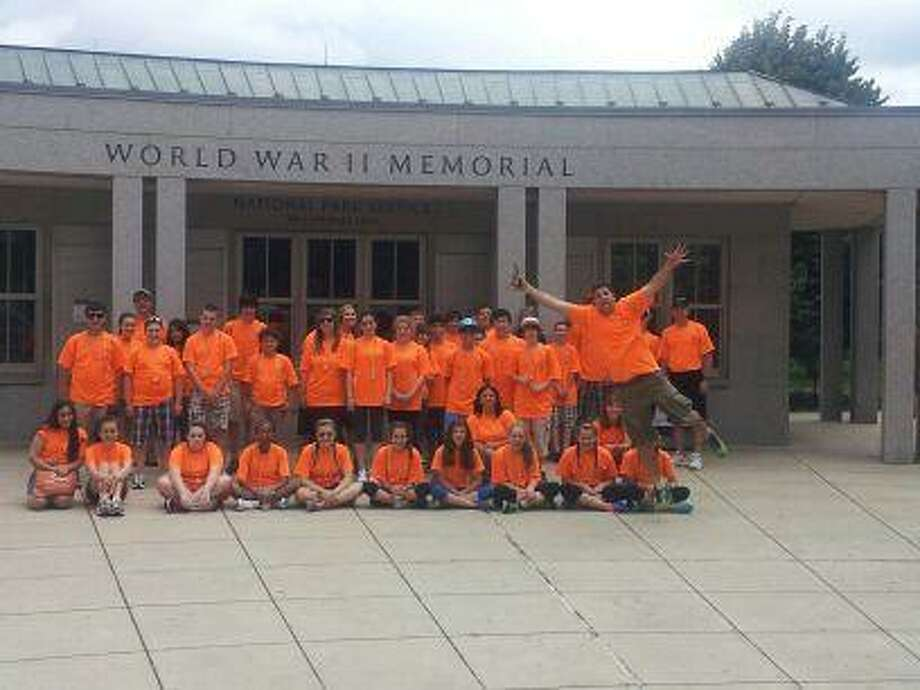 Photo by Jason LaFreniere Torrington Middle School students visit the World War II memorial in Washington, DC.