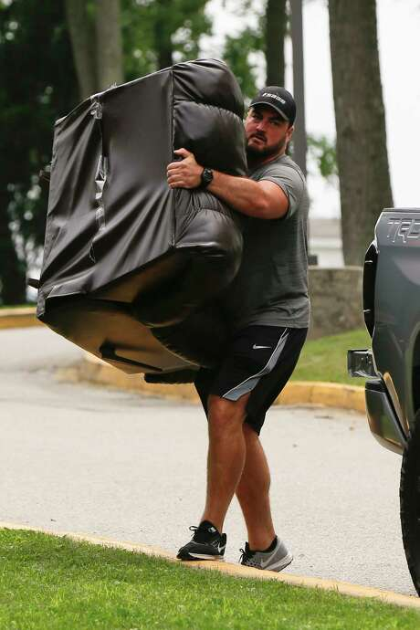 Ensuring that he will have all the comforts of home Pittsburgh Steelers guard David DeCastro & NFL: Flacco out with back injury; Ravens may bring in Kaepernick ... islam-shia.org