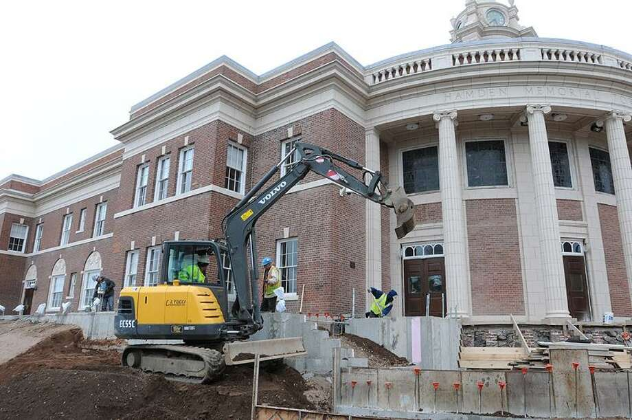 Work continues on the addition and renovation project at Hamden town hall late last week. Peter Casolino/Register