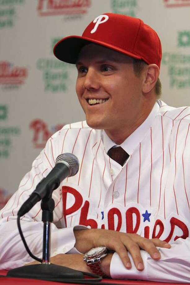 Right-handed closer Jonathan Papelbon answers questions during a news conference, Monday, Nov. 14, 2011, in Philadelphia. Papelbon and the Philadelphia Phillies completed a $50 million, four-year contract. (AP Photo/Joseph Kaczmarek) Photo: AP / AP2011