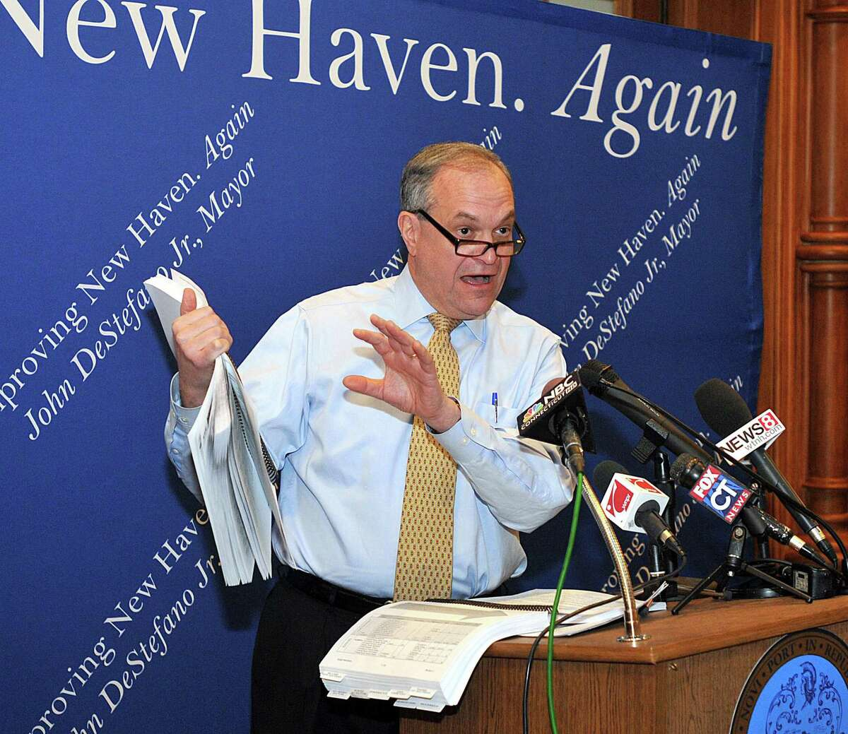 New Haven-- Mayor John DeStefano Jr., unveils his new city budget during a press conference at City Hall. Photo by Peter Casolino/New Haven Register03/01/11 Cas110301
