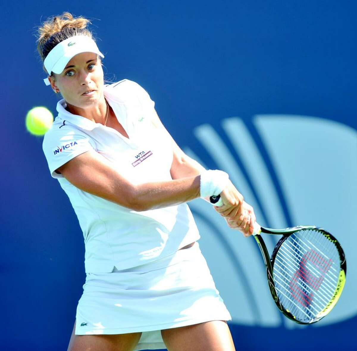 Qualifier Petra Cetkovska defeated No. 2 Li Na 6-2, 5-7, 7-6 (11-9) Friday in the first semifinal at the New Haven Open. (Arnold Gold/Register)
