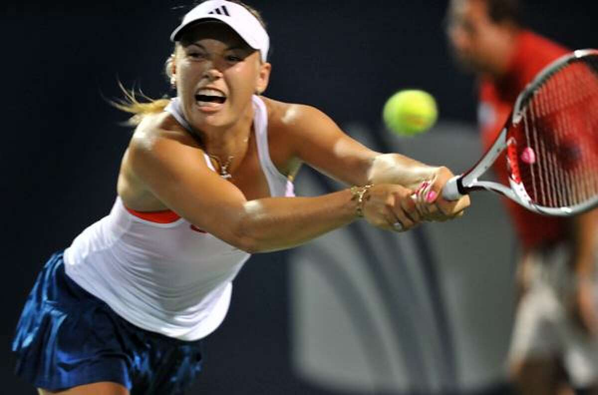 Caroline Wozniacki defeated Francesca Schiavone in the New Haven Open semifinals on Friday night at the Connecticut Tennis Center. (Melanie Stengel/Register)